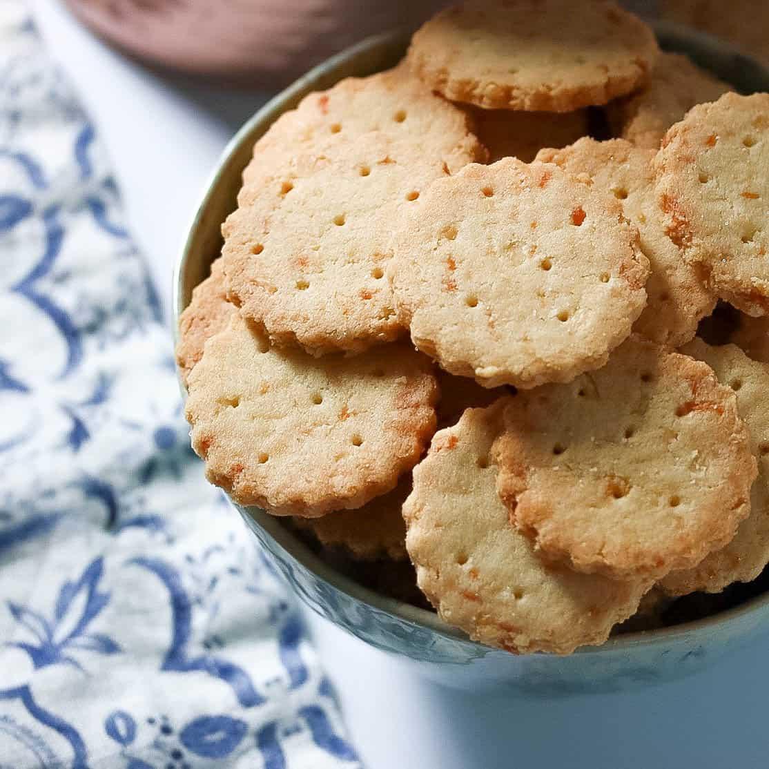 SCD + Keto Cheese Crackers