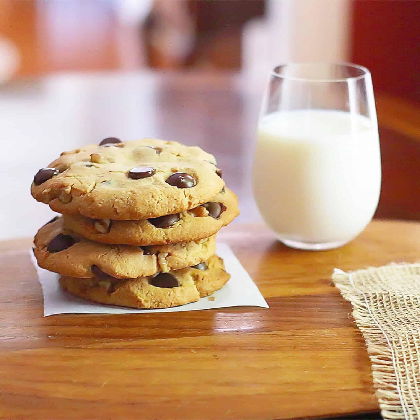 Paleo Chocolate Chip Walnut Cookies