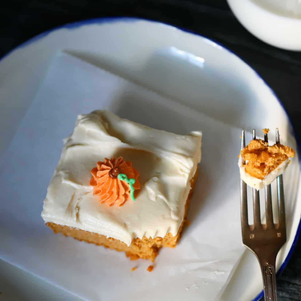 Iced Pumpkin Cake Low Car