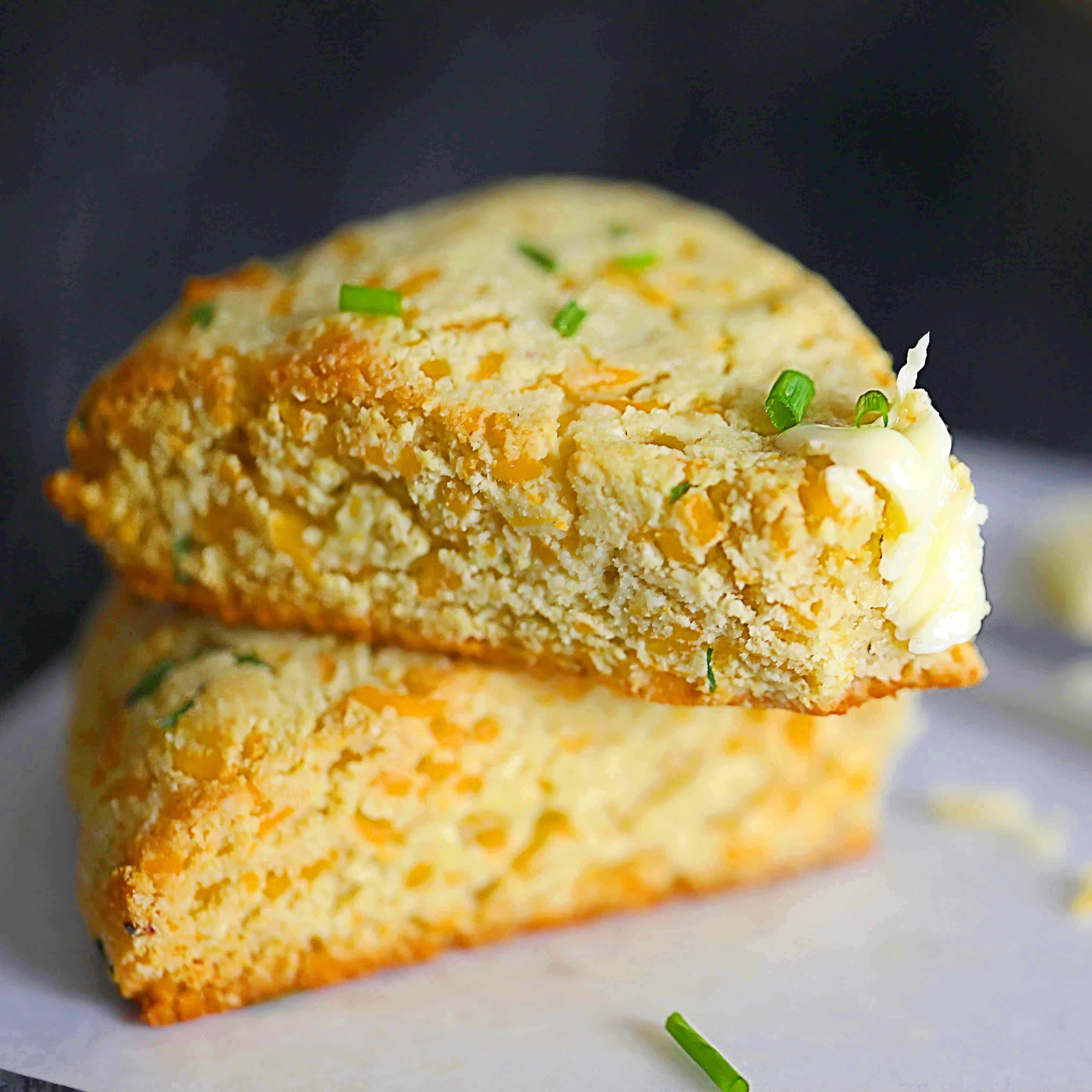 low-carb cheddar/chive scones