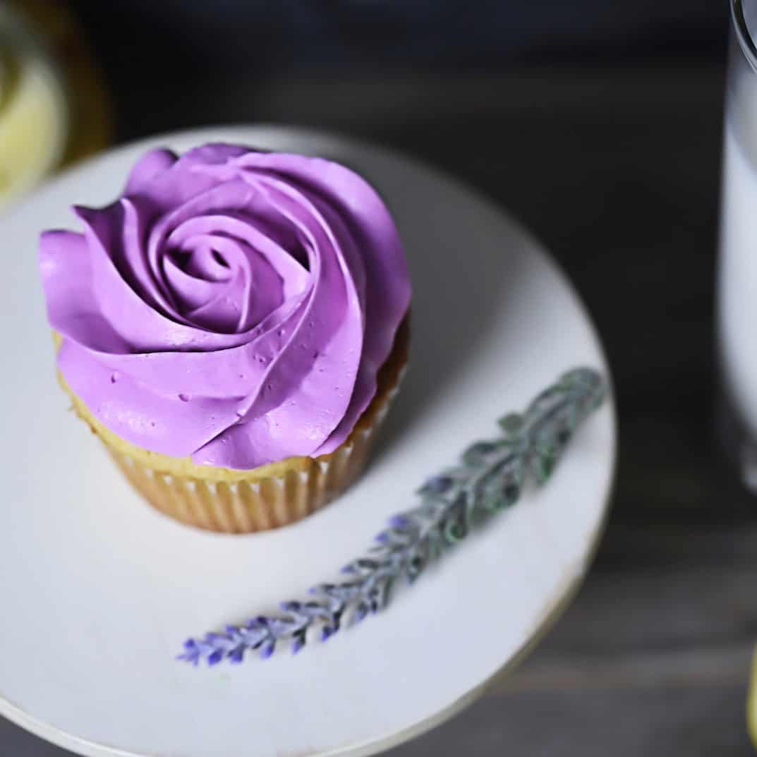 Cupcakes with lavender sprig