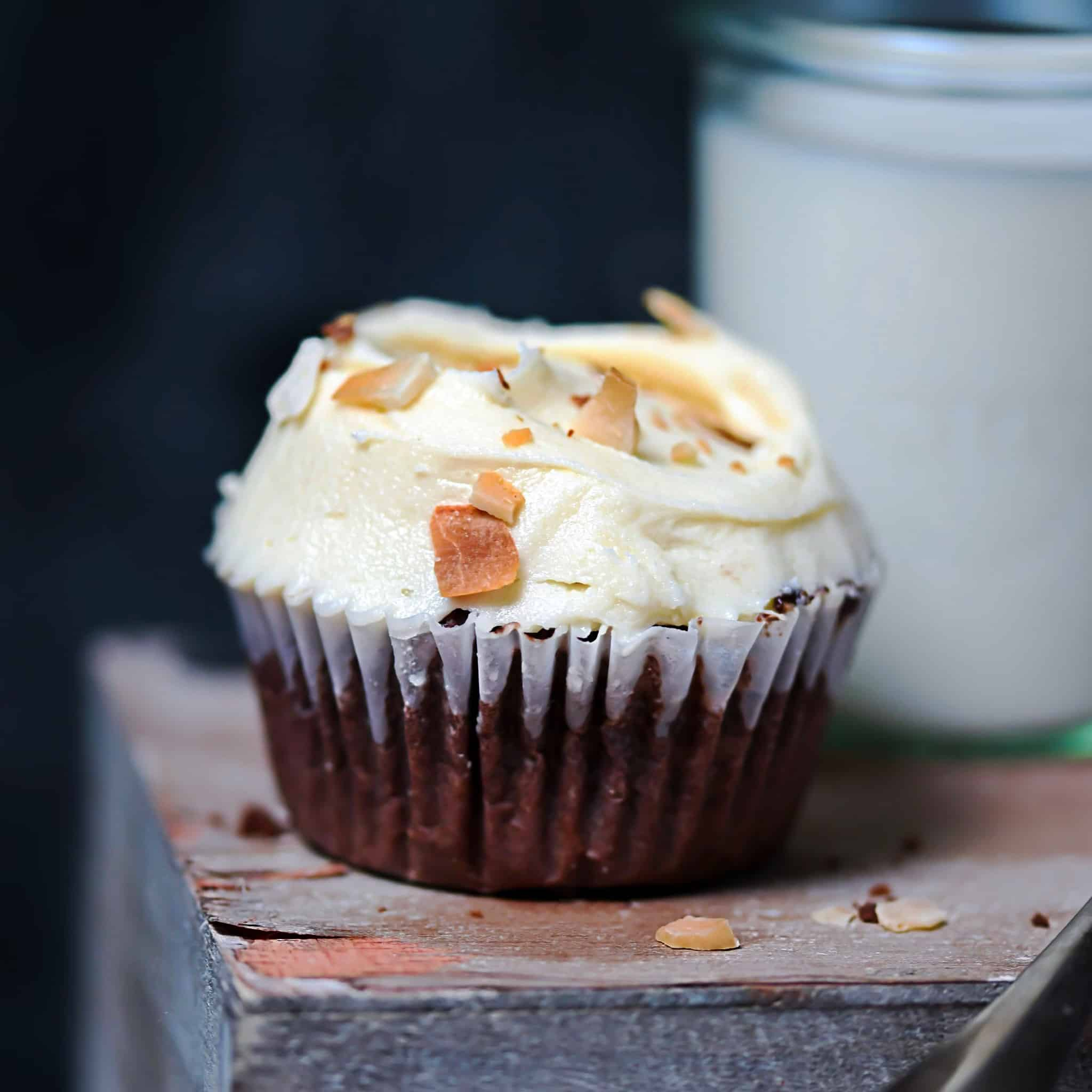 Low-Carb Chocolate Coconut Cupcakes